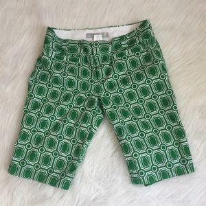 Old Navy Green and White Bermudas Size 6 mid rise